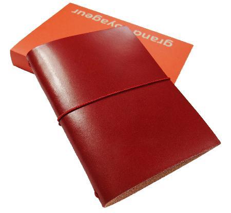 Carnet de note Grand Voyageur. Rouge. Boîte cartonnée.