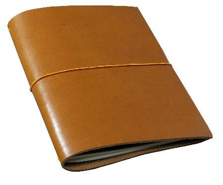 Carnet de note Grand Voyageur XL. Cognac. Boîte cartonnée.