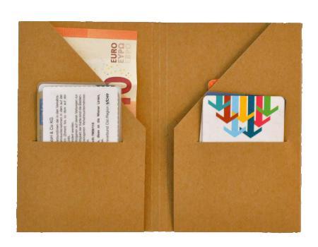 """Recharge 05 """"Card & Cash"""" Grand Voyageur. Kraft foncé."""
